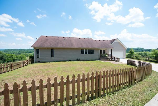1062 Whiteside Hill Rd, Wartrace, TN 37183 (MLS #RTC2042103) :: Village Real Estate