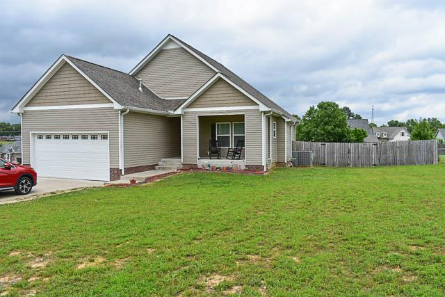 207 Gill Rd, White Bluff, TN 37187 (MLS #RTC2045608) :: FYKES Realty Group