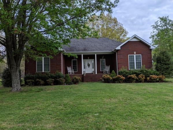 428 Parker Dr, Bradyville, TN 37026 (MLS #RTC2047639) :: Village Real Estate