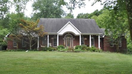 121 Old Lincoln Rd, Fayetteville, TN 37334 (MLS #RTC2048590) :: The Kelton Group