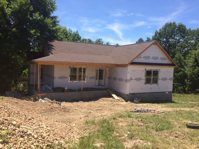 1700 Holland Road, Lafayette, TN 37083 (MLS #RTC2049839) :: Oak Street Group