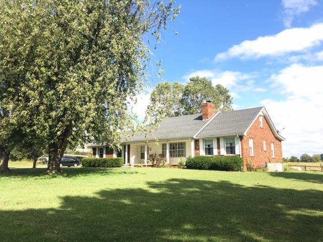 185 N Main St, Erin, TN 37061 (MLS #RTC2051498) :: CityLiving Group