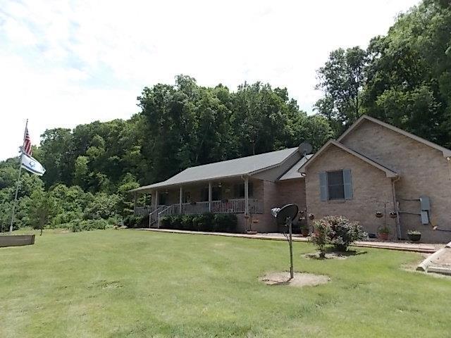 1030 Falls Branch Rd, Duck River, TN 38454 (MLS #RTC2054097) :: Village Real Estate