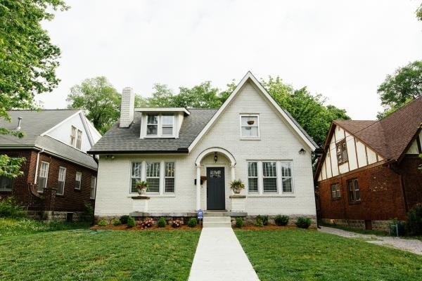 2700 W Linden Ave, Nashville, TN 37212 (MLS #RTC2059409) :: Ashley Claire Real Estate - Benchmark Realty