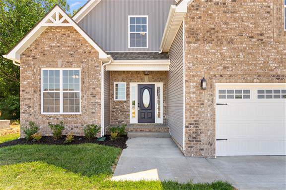 105 Locust Run, Clarksville, TN 37043 (MLS #RTC2059486) :: Hannah Price Team
