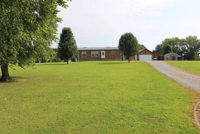 5363 Dowlen Rd, Cedar Hill, TN 37032 (MLS #RTC2059702) :: Village Real Estate