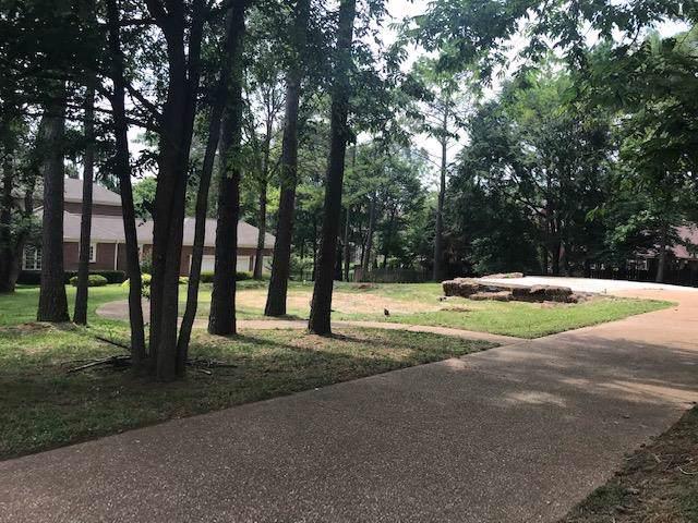 825 Salisbury Way, Clarksville, TN 37043 (MLS #RTC2062786) :: REMAX Elite