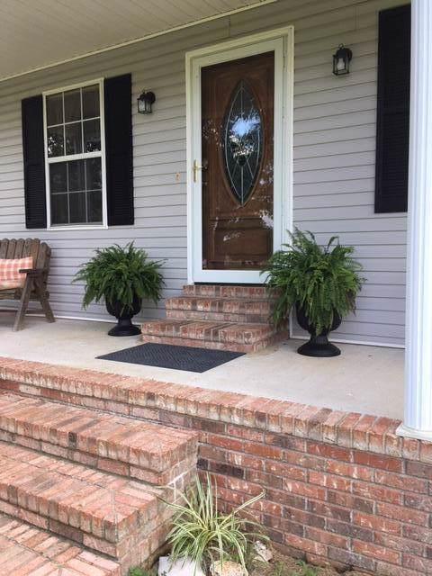 1303 Horseshoe Dr, Lewisburg, TN 37091 (MLS #RTC2070186) :: Village Real Estate