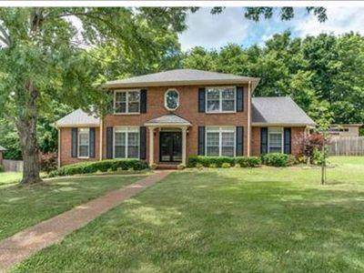 220 Pebble Glen Dr, Franklin, TN 37064 (MLS #RTC2071376) :: REMAX Elite