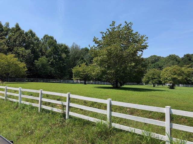 3236 Thoroughbred Dr, Hermitage, TN 37076 (MLS #RTC2072617) :: CityLiving Group