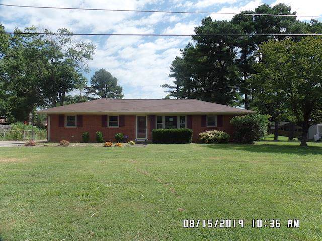 2005 Old Greenbrier Pike, Greenbrier, TN 37073 (MLS #RTC2073455) :: Village Real Estate
