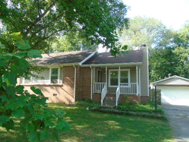 570 Blake Moore Dr, La Vergne, TN 37086 (MLS #RTC2074088) :: Village Real Estate