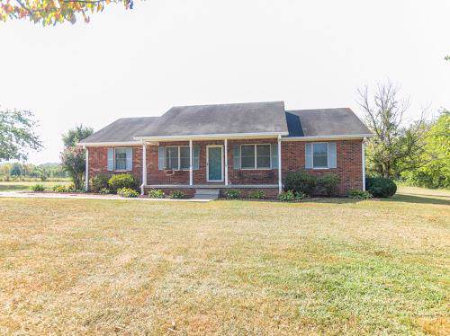 1705 Thompson Station Rd W, Thompsons Station, TN 37179 (MLS #RTC2079765) :: John Jones Real Estate LLC