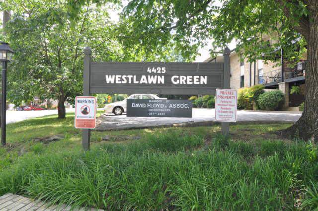 4425 Westlawn Dr Apt C300 C300, Nashville, TN 37209 (MLS #RTC2081862) :: Black Lion Realty