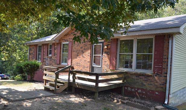 920 Lucas Ln, Clarksville, TN 37040 (MLS #RTC2082164) :: Five Doors Network