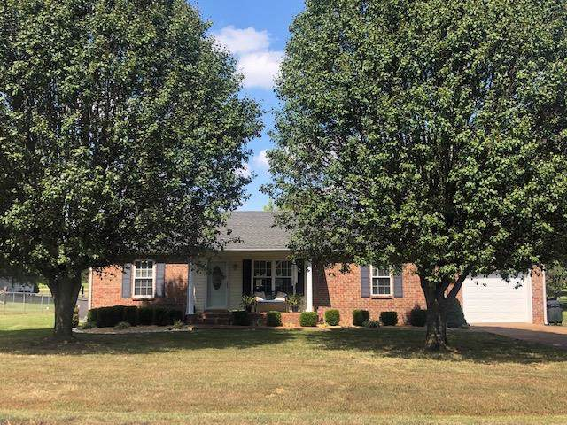 1010 Sunday Silence Dr, Greenbrier, TN 37073 (MLS #RTC2082290) :: REMAX Elite
