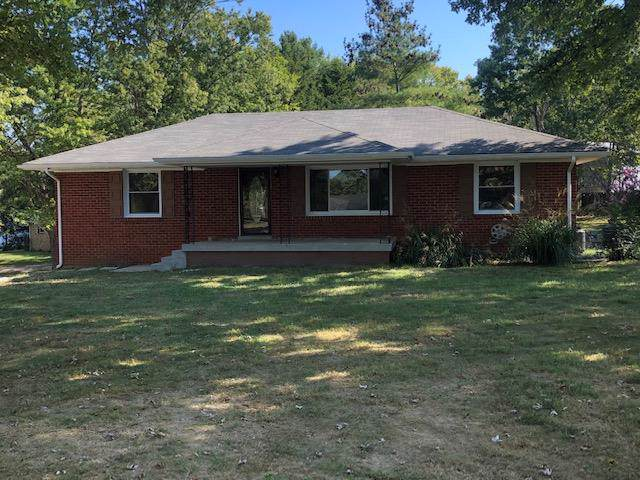 2604 Skyview Dr, Springfield, TN 37172 (MLS #RTC2082479) :: Village Real Estate