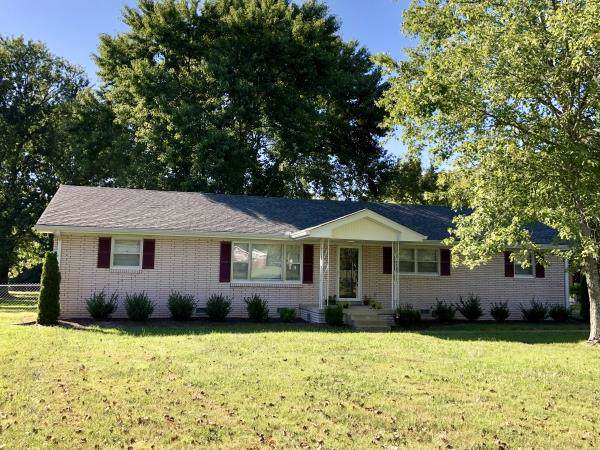3940 Hunters Point Pike, Lebanon, TN 37087 (MLS #RTC2083213) :: Village Real Estate