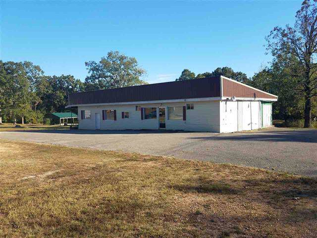660 E Main St, Parsons, TN 38363 (MLS #RTC2088409) :: The Group Campbell powered by Five Doors Network