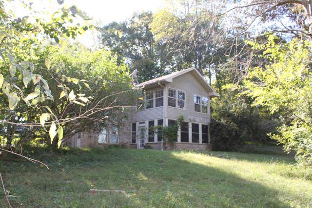 2400 Tuscarora Trl, Springfield, TN 37172 (MLS #RTC2089370) :: Village Real Estate