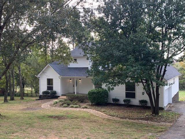 1021 Newmans Trl, Hendersonville, TN 37075 (MLS #RTC2096186) :: The Group Campbell powered by Five Doors Network