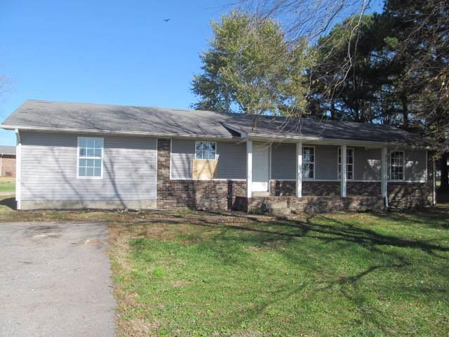 1950 Norton Rd, Lawrenceburg, TN 38464 (MLS #RTC2102929) :: DeSelms Real Estate