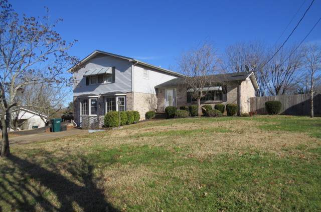 1204 Parker Dr, Pulaski, TN 38478 (MLS #RTC2105213) :: Village Real Estate