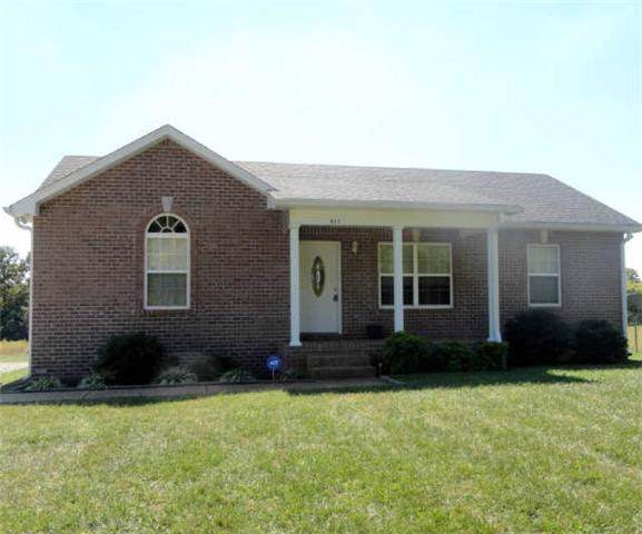 823 White Rd, Portland, TN 37148 (MLS #RTC2106514) :: Village Real Estate
