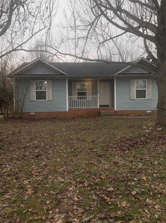 126 Grant Ave, Oak Grove, KY 42262 (MLS #RTC2112000) :: Nashville on the Move