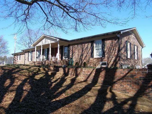 2272 Nashville Hwy, Columbia, TN 38401 (MLS #RTC2113272) :: Five Doors Network