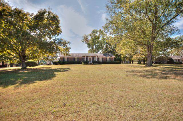 4024 E Jefferson Pike, Lascassas, TN 37085 (MLS #RTC2114052) :: Maples Realty and Auction Co.