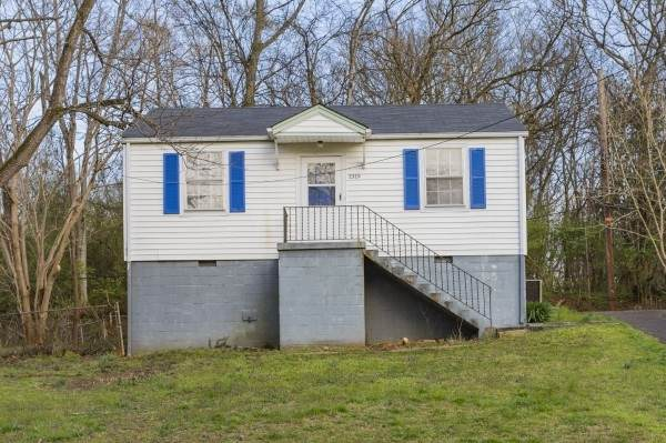 1319 Sunnyview Dr - Photo 1
