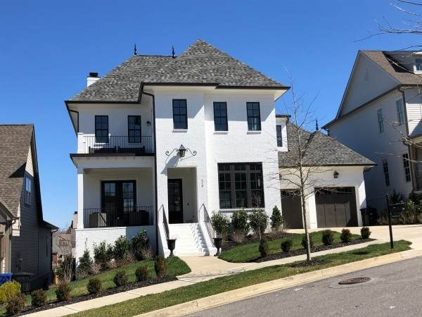 219 Cavanaugh Ln, Franklin, TN 37064 (MLS #RTC2133697) :: DeSelms Real Estate