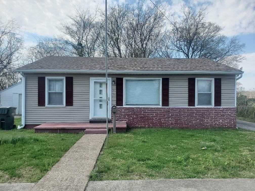 165 Kentucky Ave - Photo 1