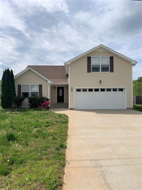 1504 Reasons Dr, Clarksville, TN 37042 (MLS #RTC2140570) :: Felts Partners