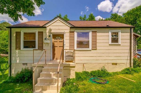 1243 Greenfield Dr - Photo 1