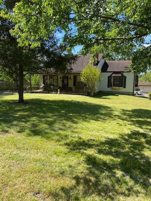 562 Neely's Bend Rd., Madison, TN 37115 (MLS #RTC2149878) :: HALO Realty