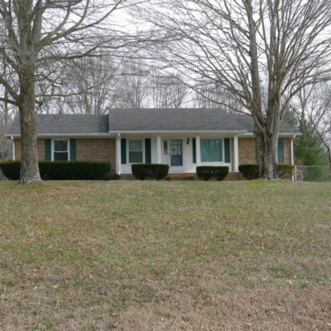 8300 Greenbrier Rd, Joelton, TN 37080 (MLS #RTC2151293) :: The Group Campbell powered by Five Doors Network