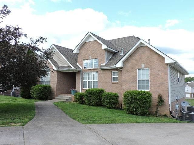 3288 Sunny Slope Dr, Clarksville, TN 37043 (MLS #RTC2151394) :: HALO Realty