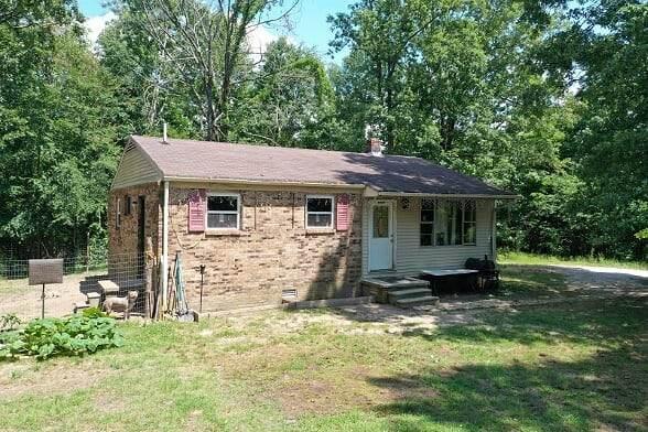 2495 Wilsdorf Hollow Rd., Linden, TN 37096 (MLS #RTC2157209) :: The Milam Group at Fridrich & Clark Realty