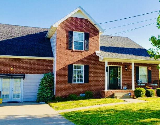 1325 Sunfield Dr, Clarksville, TN 37042 (MLS #RTC2163275) :: The Group Campbell powered by Five Doors Network