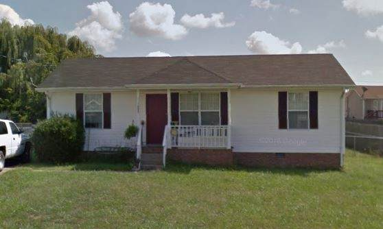 1009 Bush Ave, Oak Grove, KY 42262 (MLS #RTC2163870) :: The Group Campbell powered by Five Doors Network