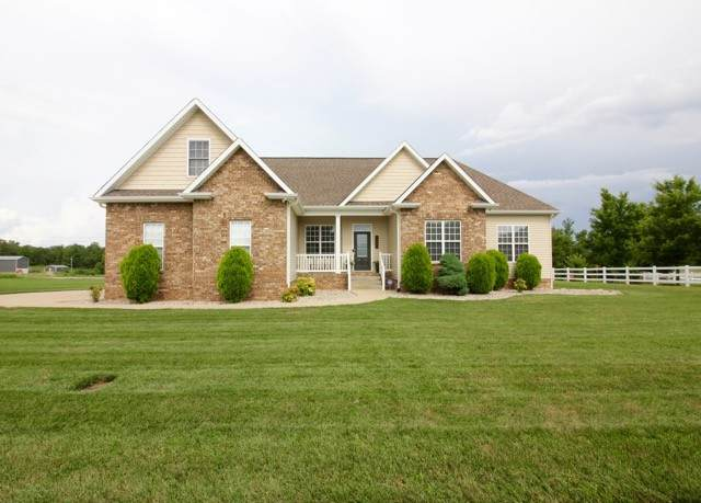 1480 Leaf Ln, Ashland City, TN 37015 (MLS #RTC2165214) :: Nashville on the Move