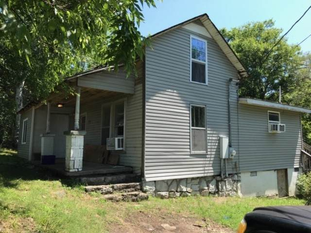 128 Fairview Ave - Photo 1