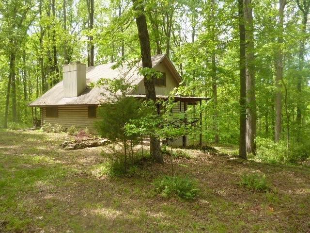 1140 Bald Eagle Dr, Kingston Springs, TN 37082 (MLS #RTC2173488) :: DeSelms Real Estate