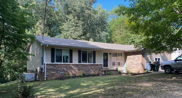 1008 Hickory St, Lawrenceburg, TN 38464 (MLS #RTC2178030) :: Kimberly Harris Homes
