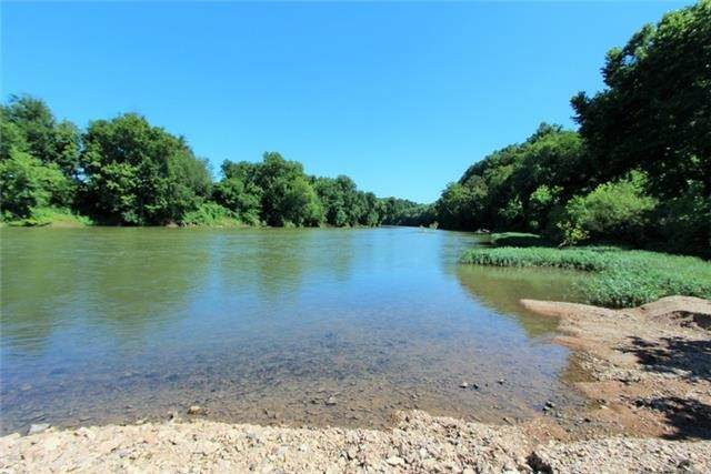 2001 Blackwell Hollow Rd, Centerville, TN 37033 (MLS #RTC2178058) :: CityLiving Group