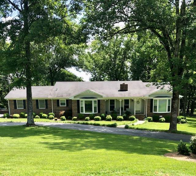 11 Burning Tree Ln, Fayetteville, TN 37334 (MLS #RTC2178829) :: The Miles Team | Compass Tennesee, LLC