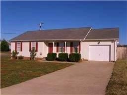 600 Millie Dr, Oak Grove, KY 42262 (MLS #RTC2178839) :: DeSelms Real Estate