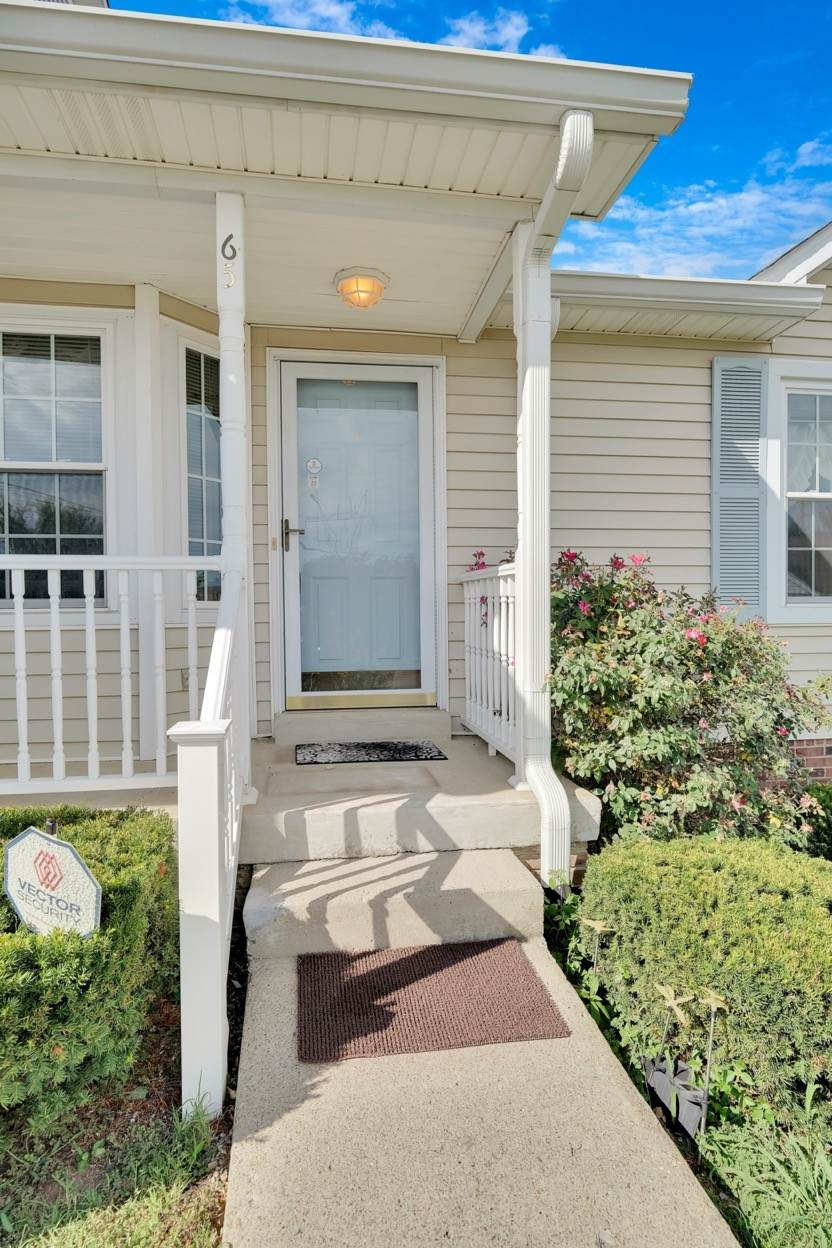65 Rolling Meadows Dr - Photo 1